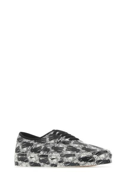 Printed canvas Authentic sneakers