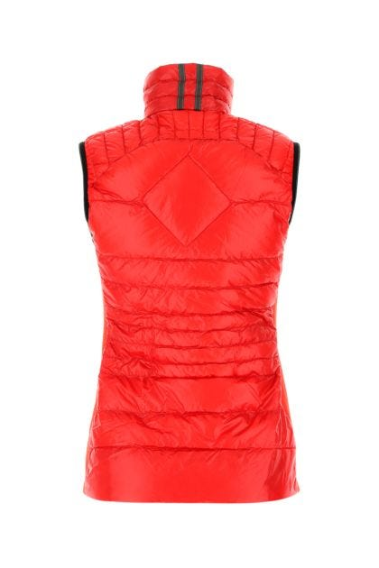 Red nylon Hybridge Lite sleeveless down jacket