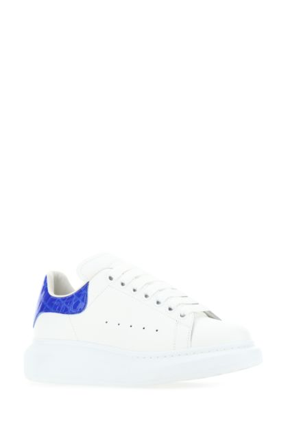 White leather sneakers with electric blue leather heel