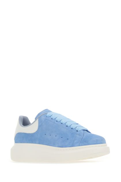 Light-blue suede sneakers with with leather heel