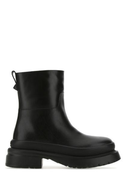 Black leather Roman Stud boots