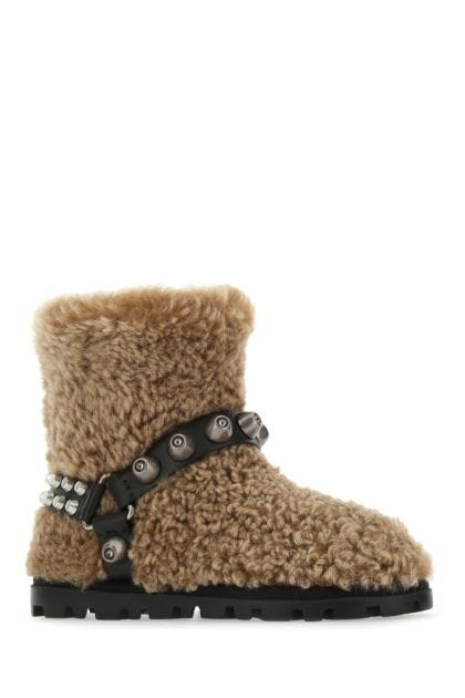 Biscuit shearling boots