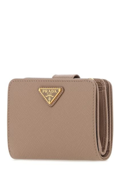 Skin pink leather wallet