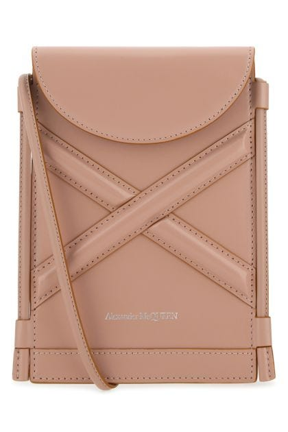 Powder pink leather The Curve phone case