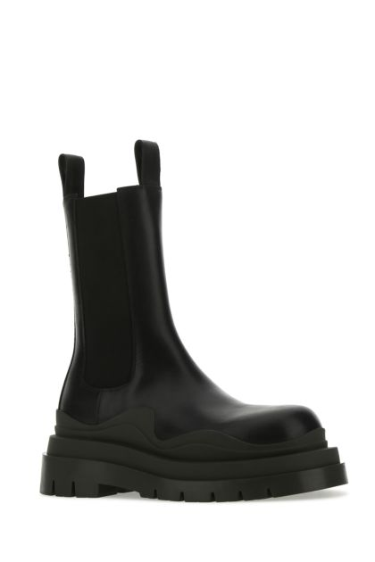 Black leather Tire boots