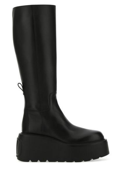 Black leather Uniqueform boots