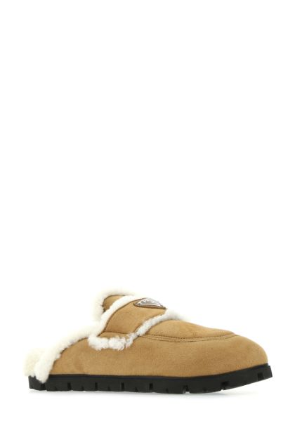 Biscuit shearling slippers